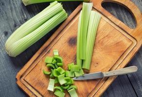 färsk grön selleri foto
