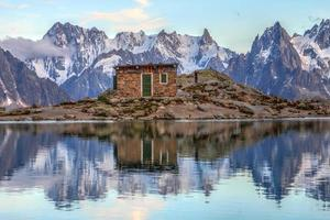 landskap i europeiska alper foto