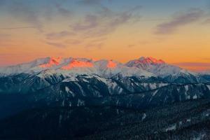 berg solnedgång vinter