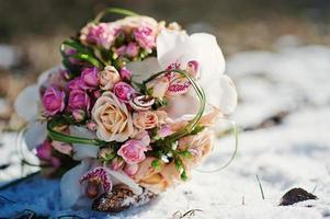 bröllopsbukett på vinterdagen foto