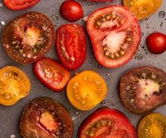 skivade tomater närbild foto