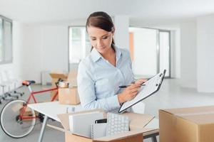 checklista för kontorsflyttning foto