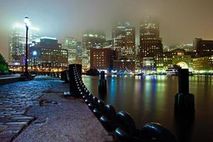 dimmig boston natt foto