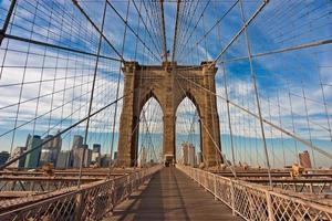 långvy bild av brooklyn bron foto