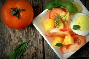 tomatsallad med tomat foto