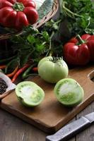 gröna tomater foto
