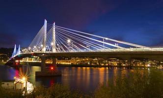 tillicum bridge i Portland, eller. foto