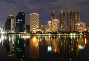 nattljus i bangkok foto