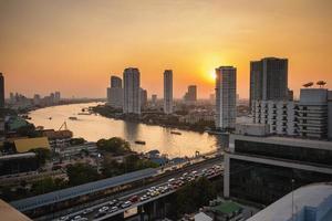 solnedgång i bangkok foto