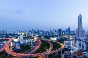skymning vid bangkok city scape, baiyok plaza, Thailand