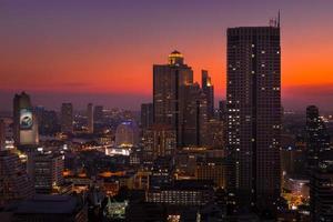 bangkok stadslandskap med solnedgång