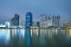 bangkok stadens centrum på natten foto
