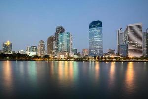 benjakiti park i bangkok foto