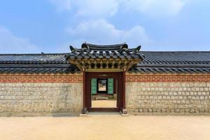 korea vägg och dörr foto
