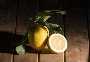 citron med blad foto