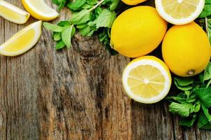 citroner och mynta foto