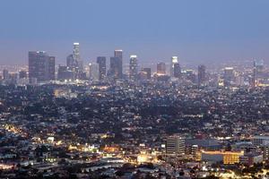 downtown los angeles skyline på natten foto