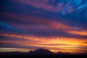 tabell berg solnedgång foto