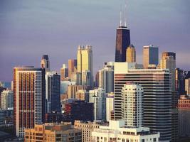 chicago horisont vid solnedgången foto