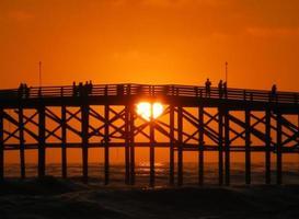 Stilla stranden kärleksbrygga foto