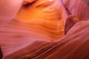 slot canyon arizona - förstenad sanddyn foto
