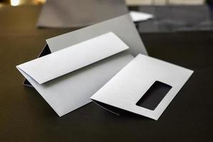 kuvert med fönster foto