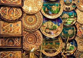 koppar dekorativa plattor foto