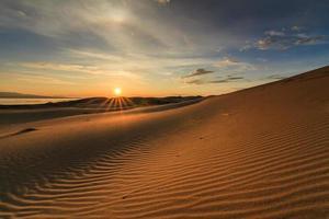 vacker utsikt över gobiöknen. mongoliet. foto