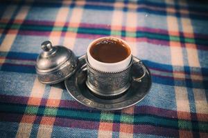 retrostilbild av traditionellt turkiskt kaffe foto
