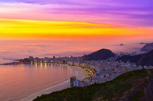 copacabana beach i rio de janeiro. Brasilien