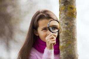 barn studing biologi foto