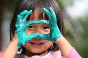 barn & målning jobb foto