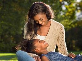 amerikansk mor och barn foto