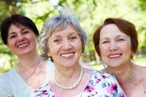 kvinnliga vänner foto