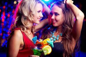 glada kvinnor foto