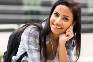 ganska kvinnlig högskolestudent foto