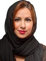 latinamerikansk kvinna som bär svart halsduk foto