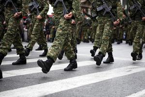 militära stövlar foto