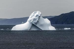 isberg vid gåsviken, newfoundland foto