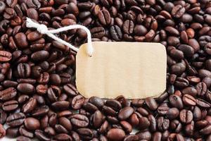 etikett på bakgrund av kaffe foto