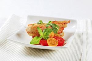 kycklingkött och krispigt bröd