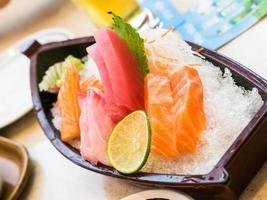 japansk sashimi foto