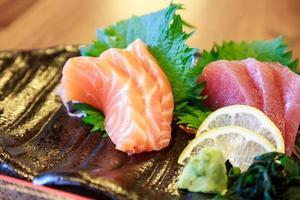 sushi rå fisk foto