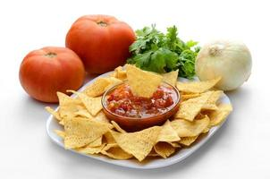 chips och salsa foto