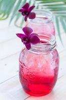 läsk, burry juice med läsk, avkopplande tid foto