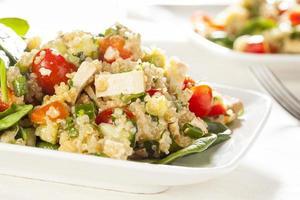 ekologisk vegansk quinoa med grönsaker foto
