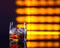 whisky och is foto