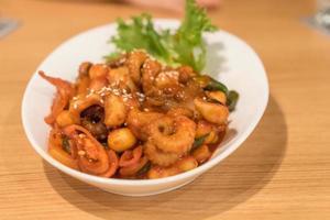 kryddig koreansk bläckfisk foto