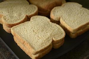 rostat ostsmörgås foto