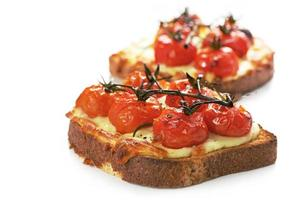 grillad ost och tomat foto